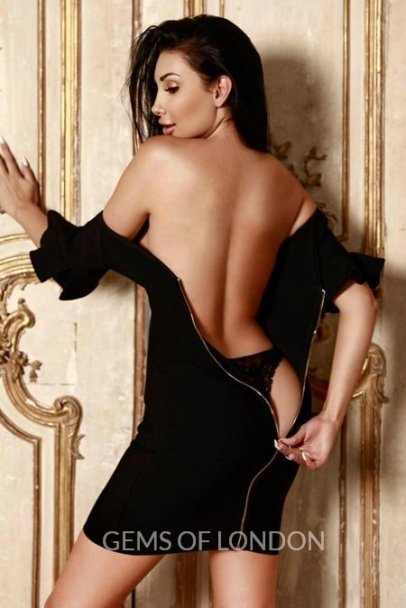 gfe-tall-brunette-party girl-escorts-Leona
